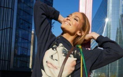 Jennifer López luce espectacular