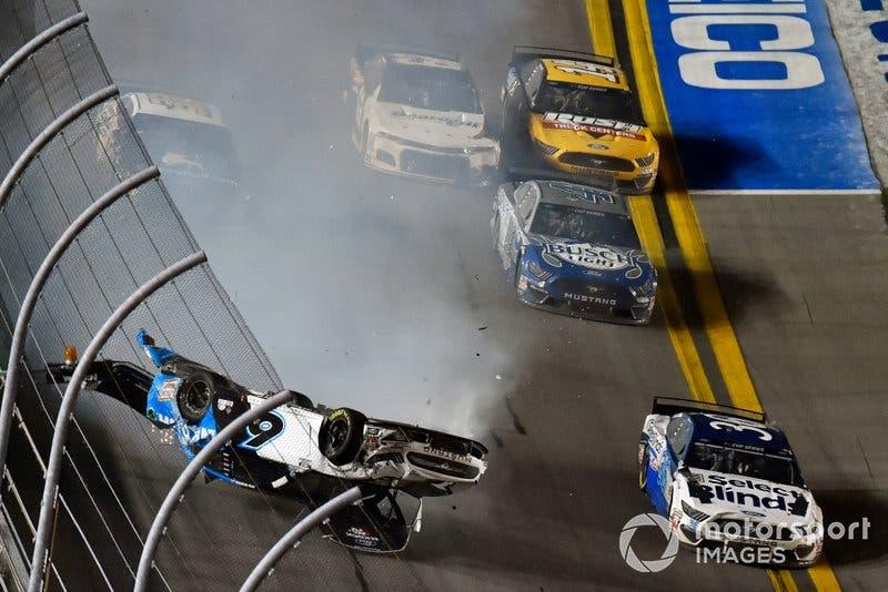 Ryan Newman protagoniza carrera con fuerte accidente
