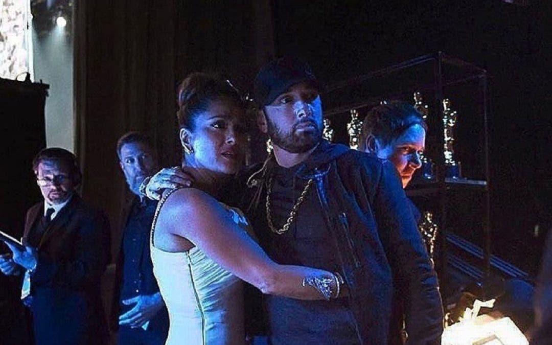 Salma pasa penoso momento con Eminem
