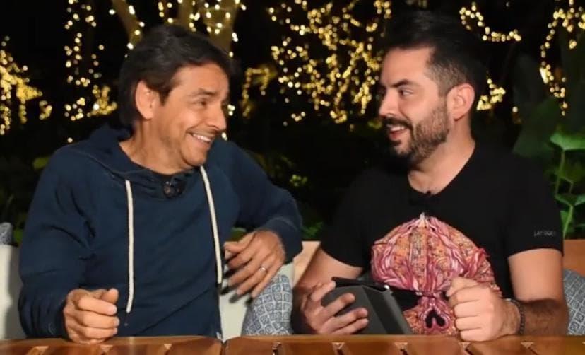 Foto captura de la entrevista de Eugenio Derbez y José Eduardo Derbez.