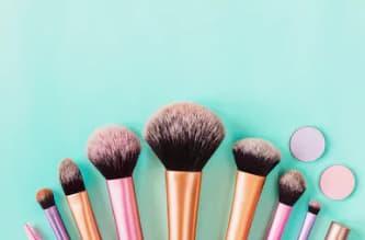 Aprende a limpiar tus brochas de maquillaje