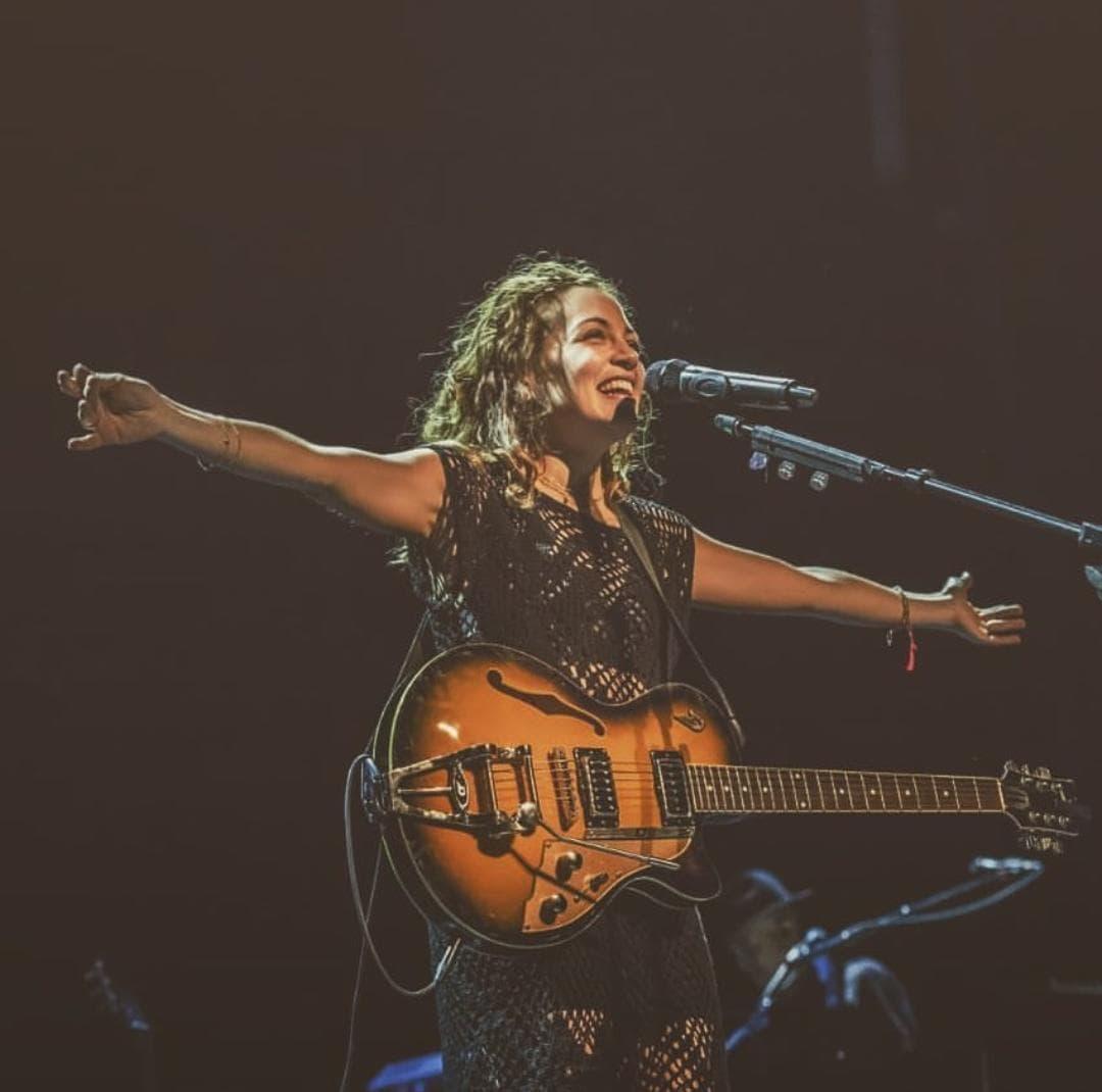 Natalia Lafourcade dará concierto en Facebook