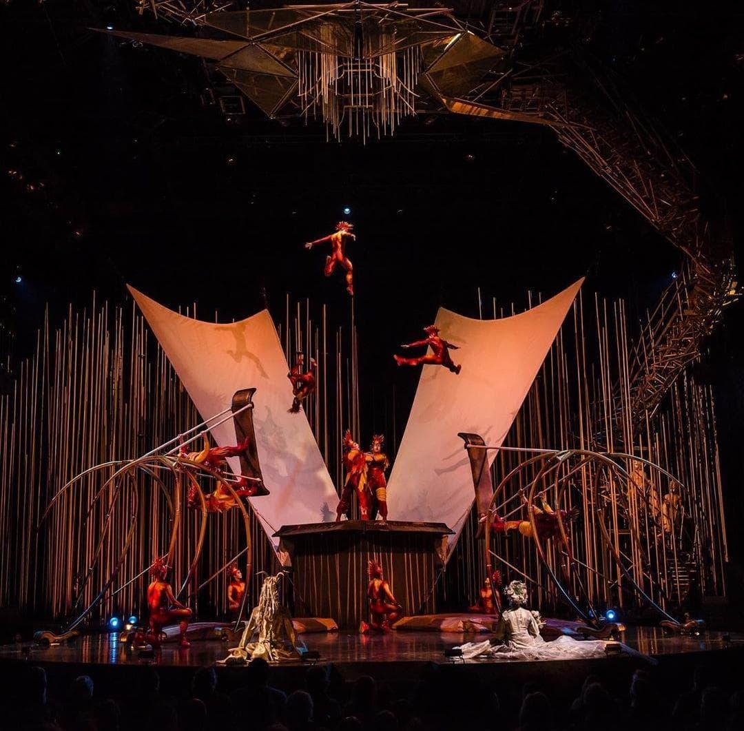 El Cirque du Soleil se declara en bancarrota.