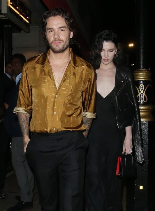 Liam Payne le pide matrimonio a su novia Maya Henry.