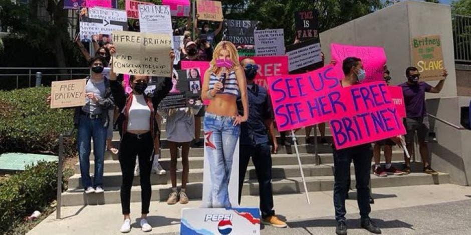 Fans manifiestan su desacuerdo por la tutela de Britney