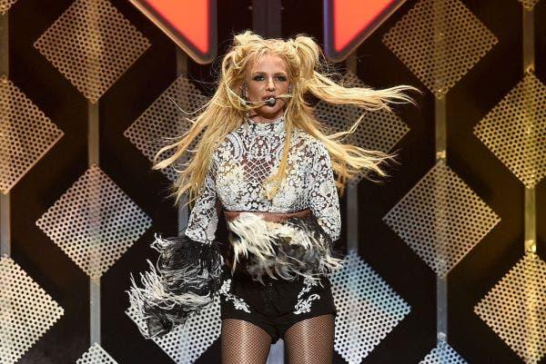 Britney en una presentación. Las ha dejado por tutela de su padre.